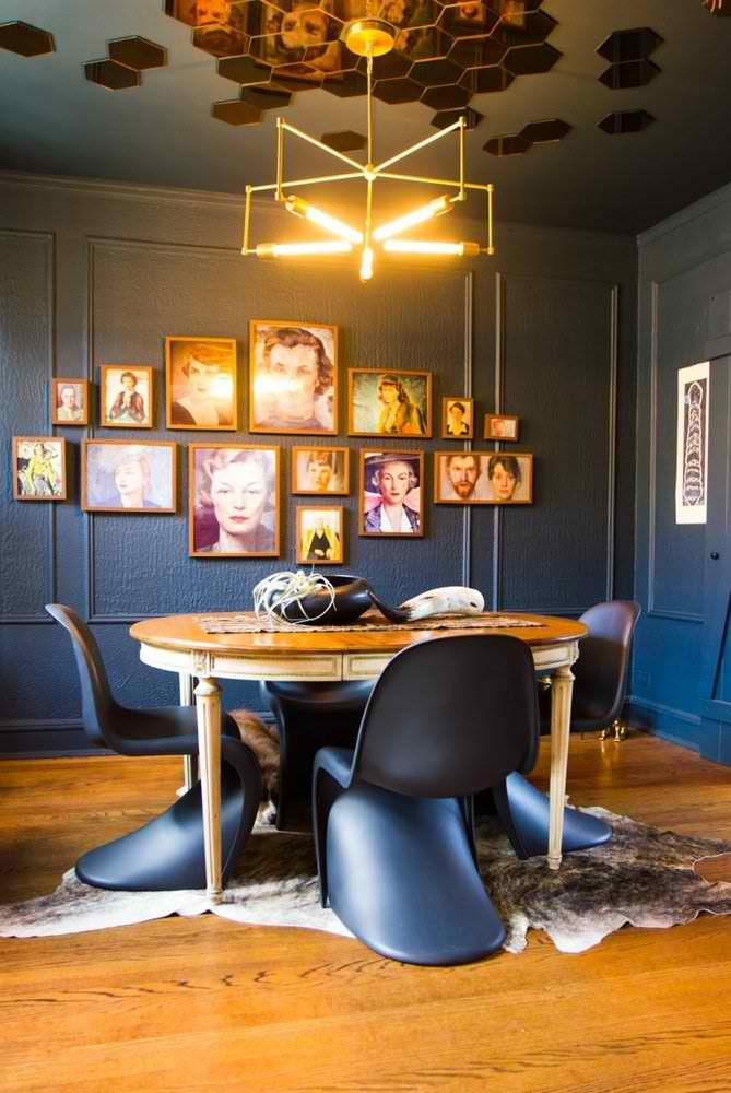 navy blue walls, navy blue dining room, eclectic interior, frame gallery