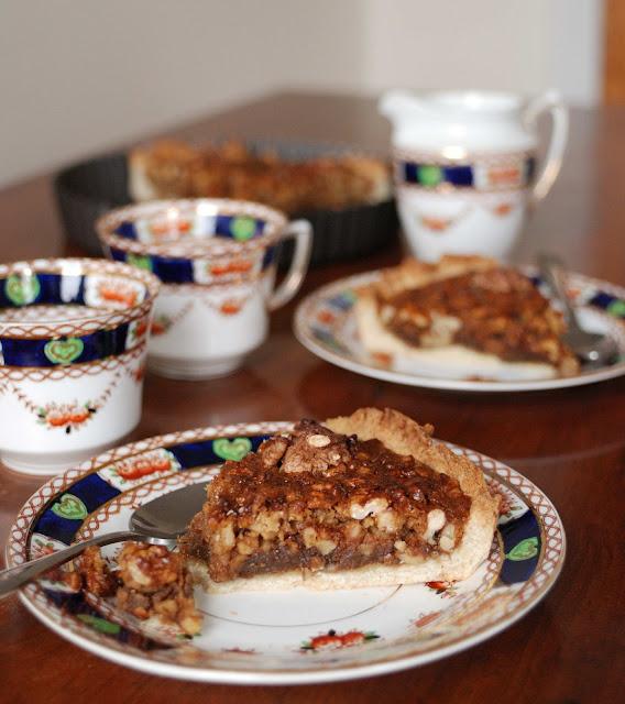 homemage walnut pie