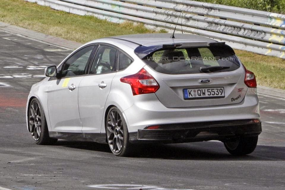 2015 2016 Ford Focus Rs Test at Nurburgring spy Photos and Price