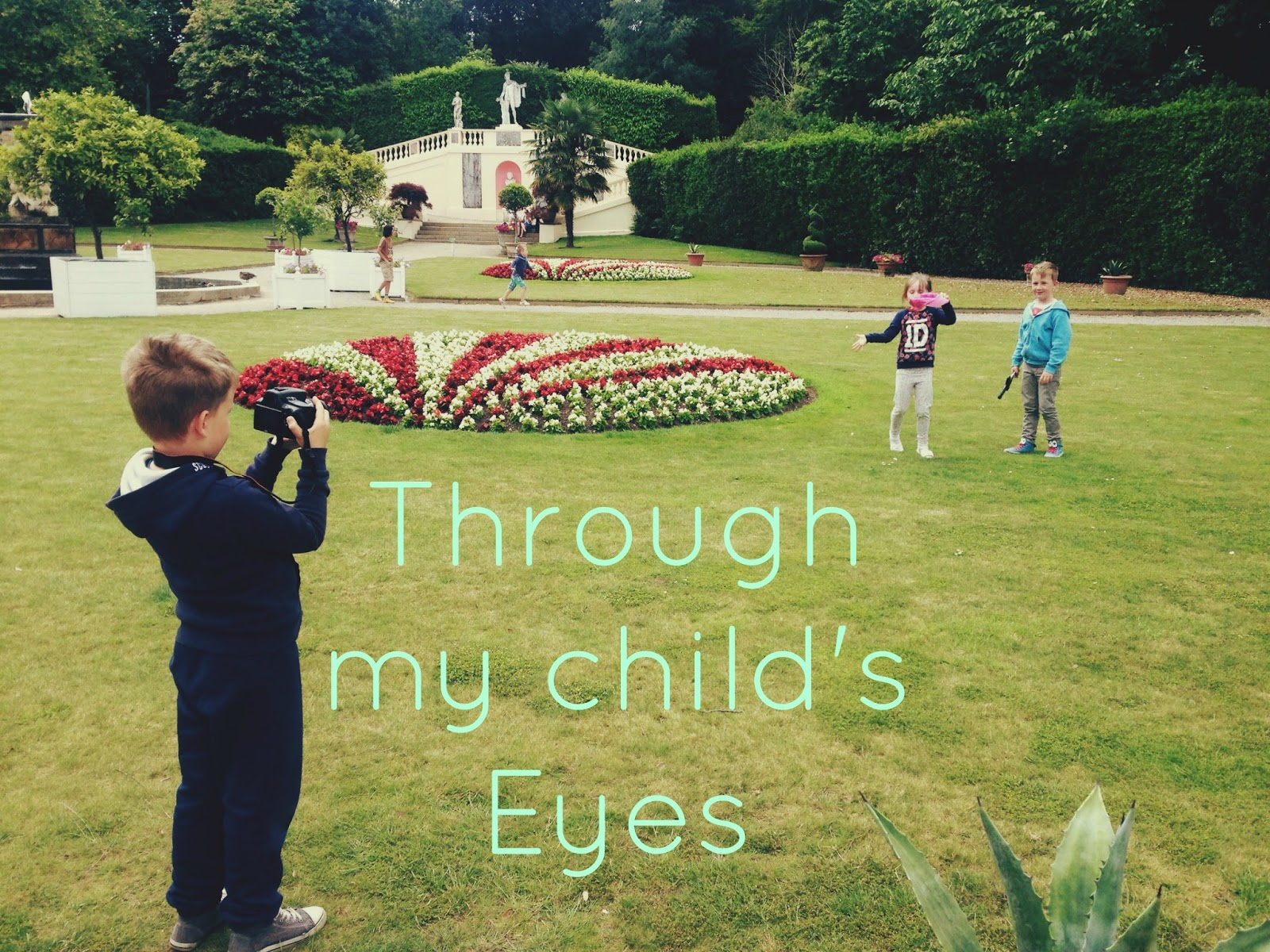 photography, mini photographers, children's photography, link up, blogger, parent blogger, mummy blogger,
