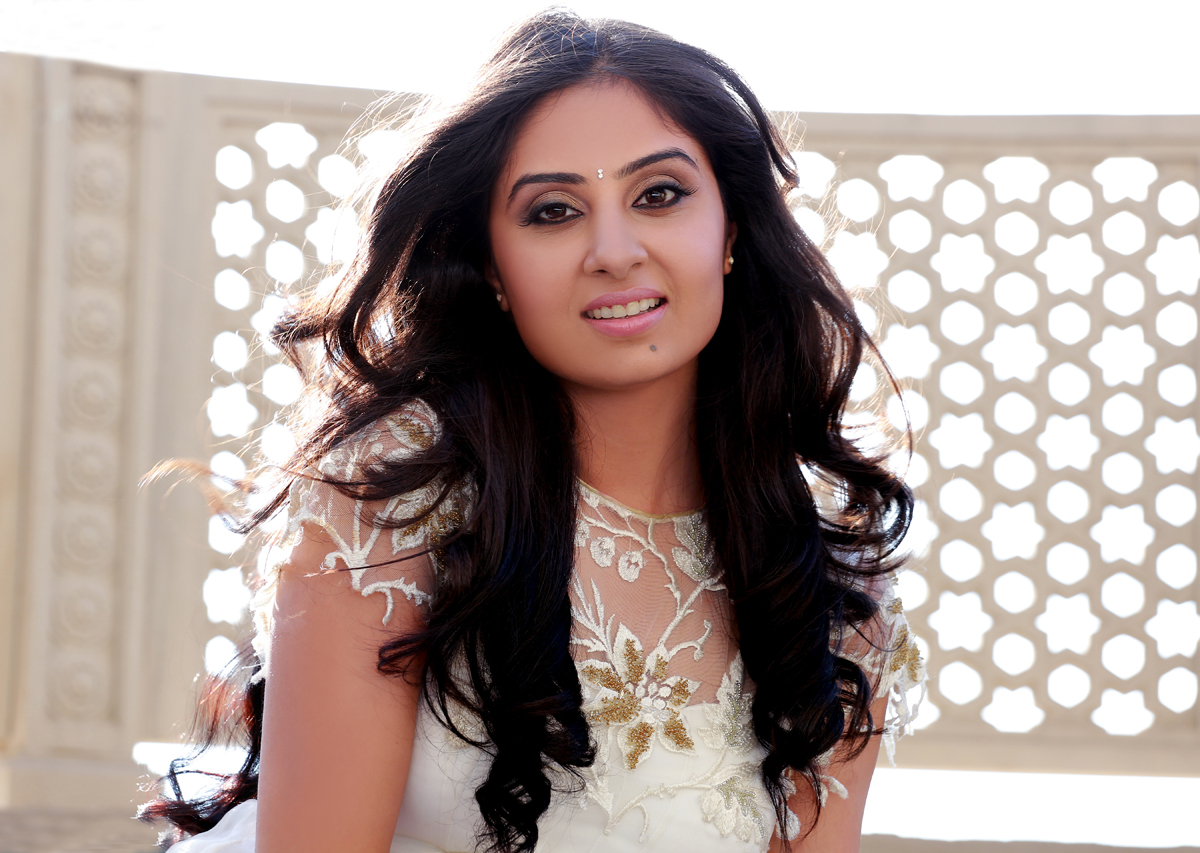 http://2.bp.blogspot.com/-xZH9TSAMsEg/UJFEjUNHlOI/AAAAAAAAzUI/utk4IhwOTyU/s1600/actress-bhanu-sri-mehra-latest-photoshoot-stills-3.jpg