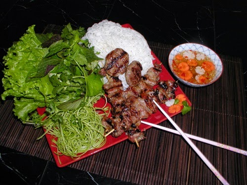 Grilled Pork with Rice Vermicelli (Bún Chả)2