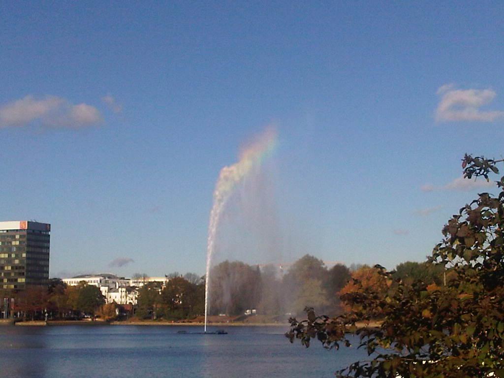 Binnenalster - Fontäne - Regenbogen