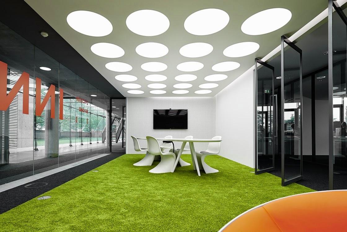 desain-interior-kantor-modern-dinamis-energik-innocean-ruang dan rumahku-blogspot_017