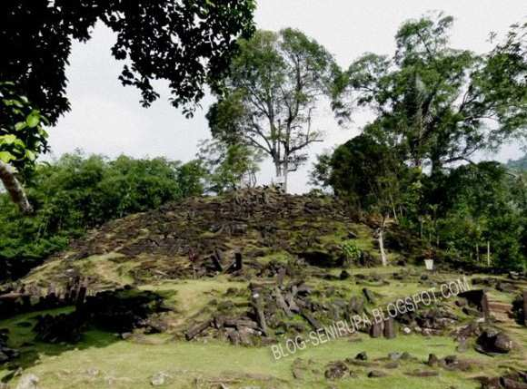 Sejarah Senirupa Indonesia Zaman Prasejarah Punden Berundak