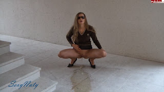 Sexynaty - Piss in the stairwell