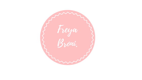 Freya Broni - Irish Fashion and Beauty Blogger