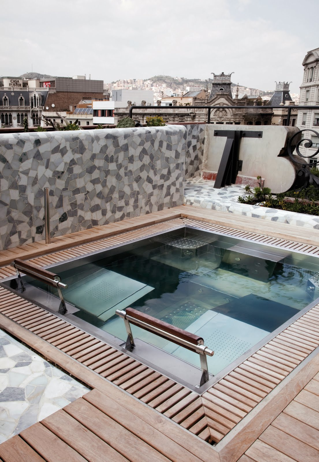 What 39 s up trouvaillesdujour living and loving barcelona - Spa aguas de barcelona ...