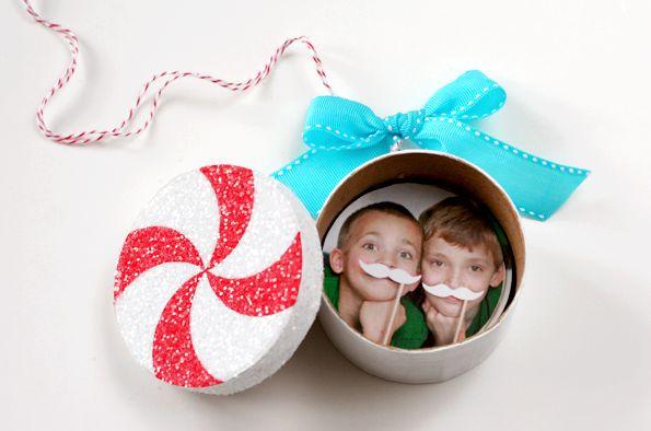 as queda nuestro adorno sorpresa para nuestro rbol de navidad con las fotografas en su interior te gust la idea comenta y dinos si te gust la idea