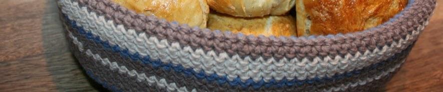 http://pralerier.blogspot.dk/2010/12/diy-hklet-brdkurv.html