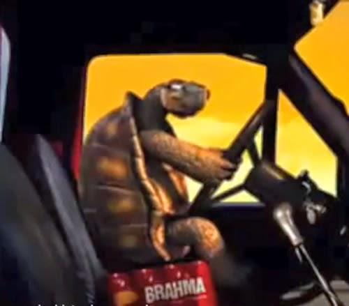 Propaganda da Brahma com sua famosa tartaruga. Comercial apresentado no ano 2000.