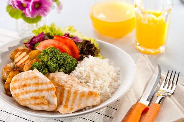 Nutrição sã de perda de peso em condições de casa de homens do cardápio em