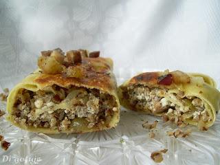 Rolada z ciasta pierogowego (z twarogiem i kaszą gryczaną)
