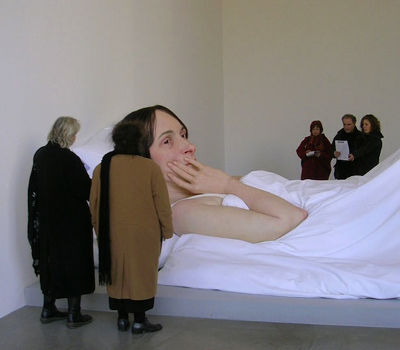 35 Photos Of Super Realistic Human Sculptures