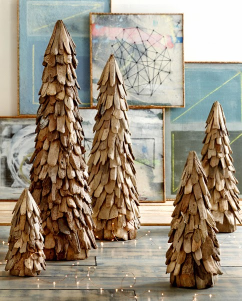 http://www.seasideinspired.com/driftwood-christmas-decor.htm