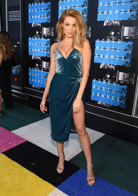 Actress @ Arielle Vandenberg - 2015 MTV Video Music Awards in Los Angeles