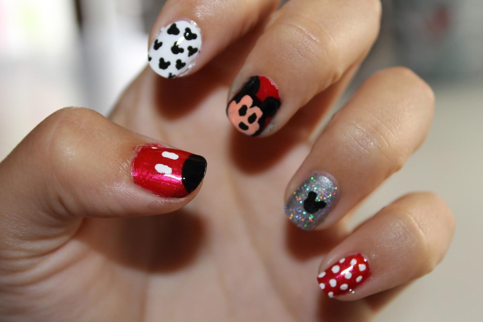 uñas mickey mouse//mickey mouse nails   Las Cosas de Lydia