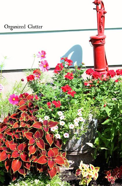 Rustic Yard & Garden Decor www.organizedclutter.net