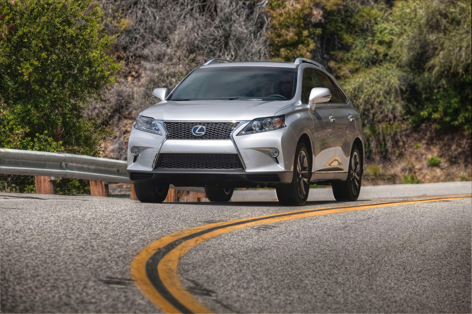Front 3/4 view of 2014 Lexus RX350 F-Sport