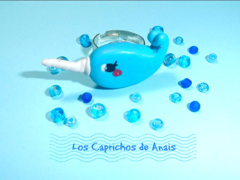 Anillo de arcilla polimerica Narwhal Azul 2_Los Caprichos de Anais
