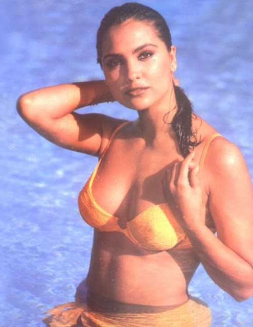Lara Dutta boobs