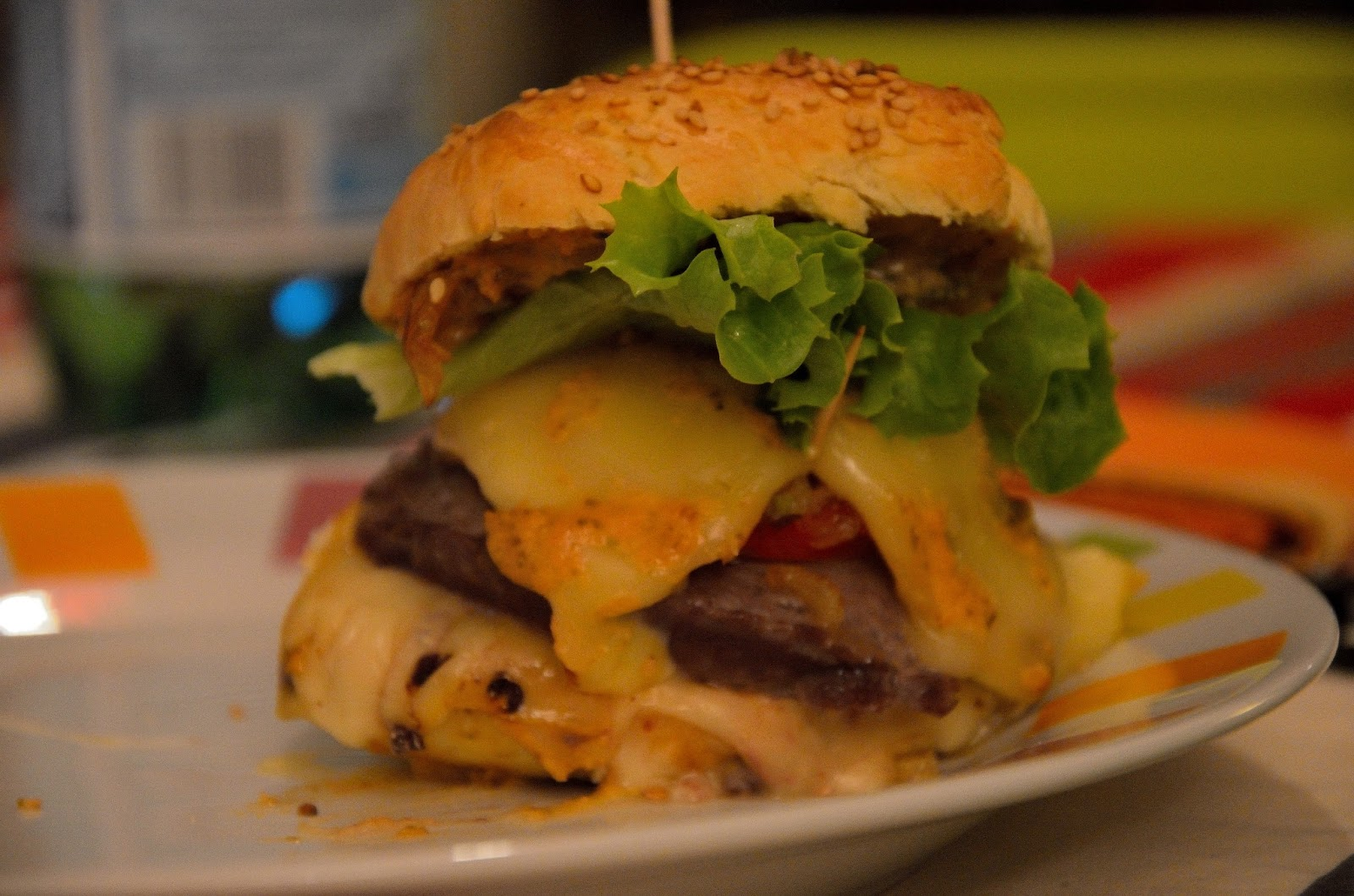la tambouille de charline burgers 100 maison pain sauce burgers raclette et morbier. Black Bedroom Furniture Sets. Home Design Ideas