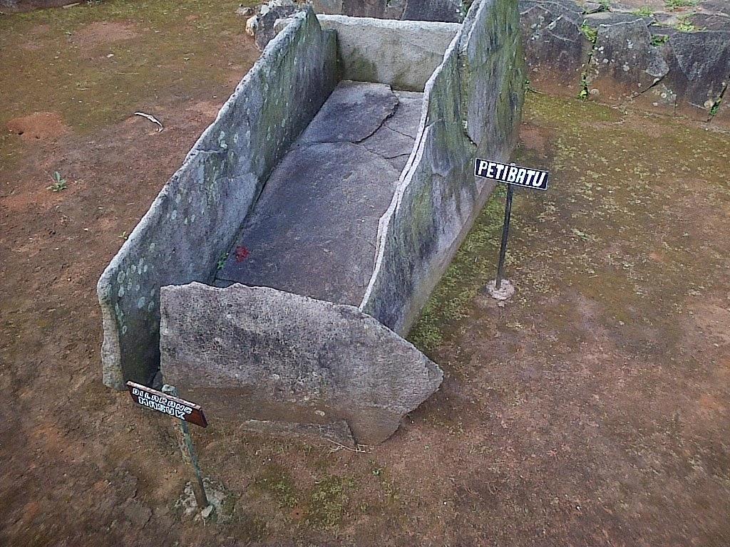 Menarik Pusaka Di Dekat Situs Benda Kuno Purbakala Fenomena