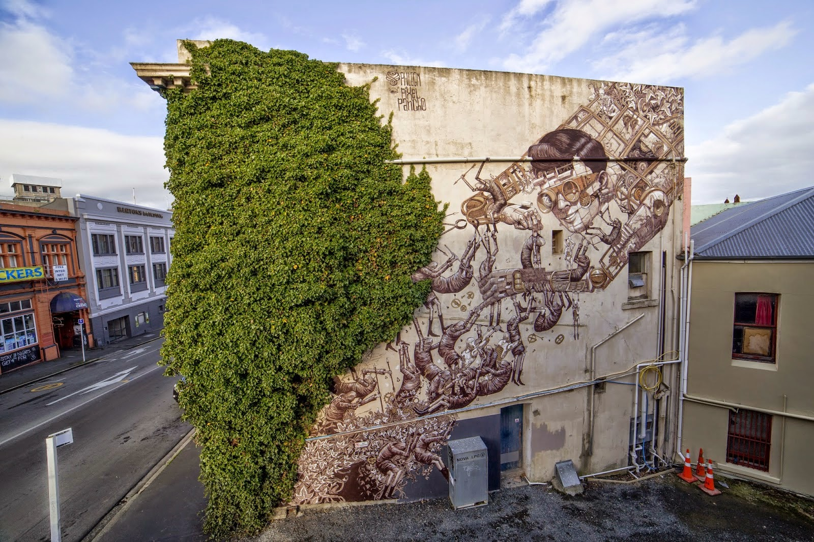 Pixel Pancho and Phlegm are currently in New Zealand where they joined forces to work on a new piece on the streets of Dunedin.