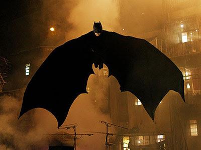 Responda só com imagens. - Página 9 Batman_begins