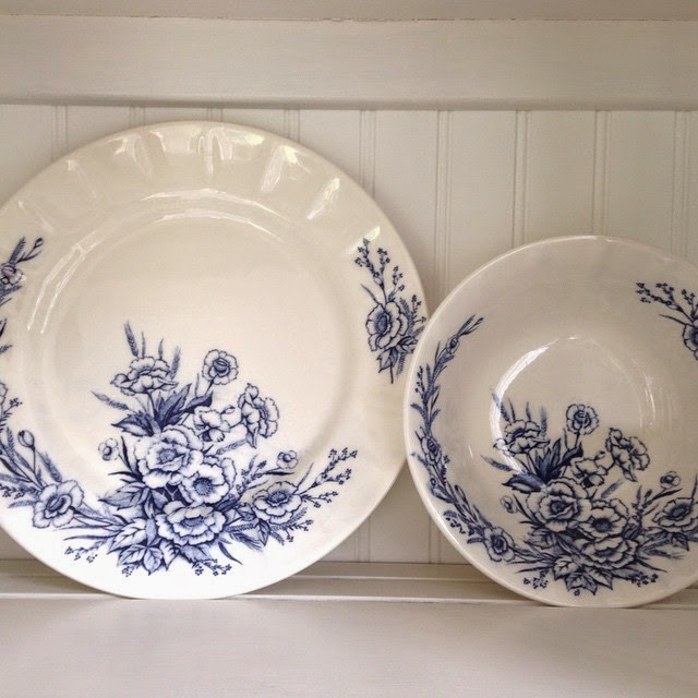#thriftscorethursday Week 59 | Instagram user: rockinredesigns_selina shows off this Blue China