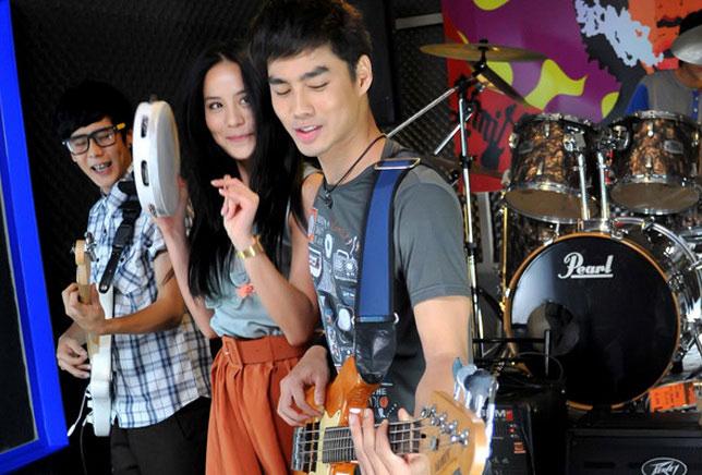 postinganbiasa: Review: Rak Sud Tai Pai Na (First Kiss) (2012)