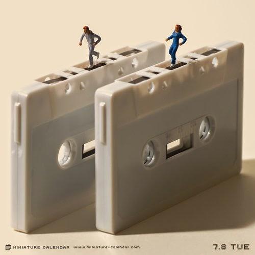 06-Treadmill-Tatsuya-Tanaka-Miniature-Calendar-Worlds-www-designstack-co