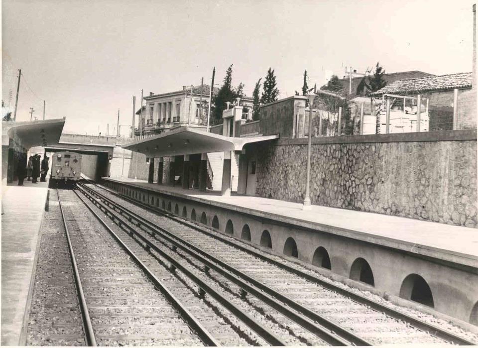 http://2.bp.blogspot.com/-xcrb4wwPjR4/UQ5OPCNOzLI/AAAAAAAAGVY/qmVZY4nlNRM/s1600/Kato+Patisia+Train+Station+1956.jpg