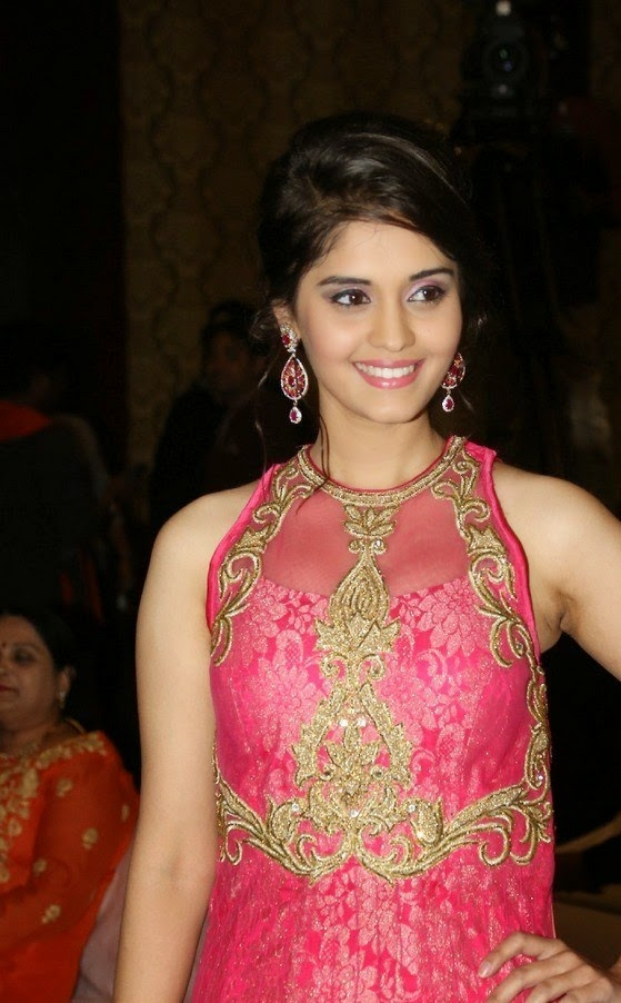 Surabhi Actress In pink Dress New Photos