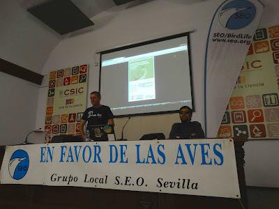 """Conferencia: """"Aves, plantas e insectos de la Loma del Acebuchal, un vertedero restaurado"""". Por Juan González."""
