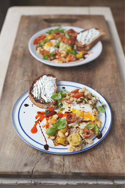 Jamie Oliver's Baked Eggs in Popped Beans and Cherry Tomatoes for the Perfect Vegetarian Breakfast