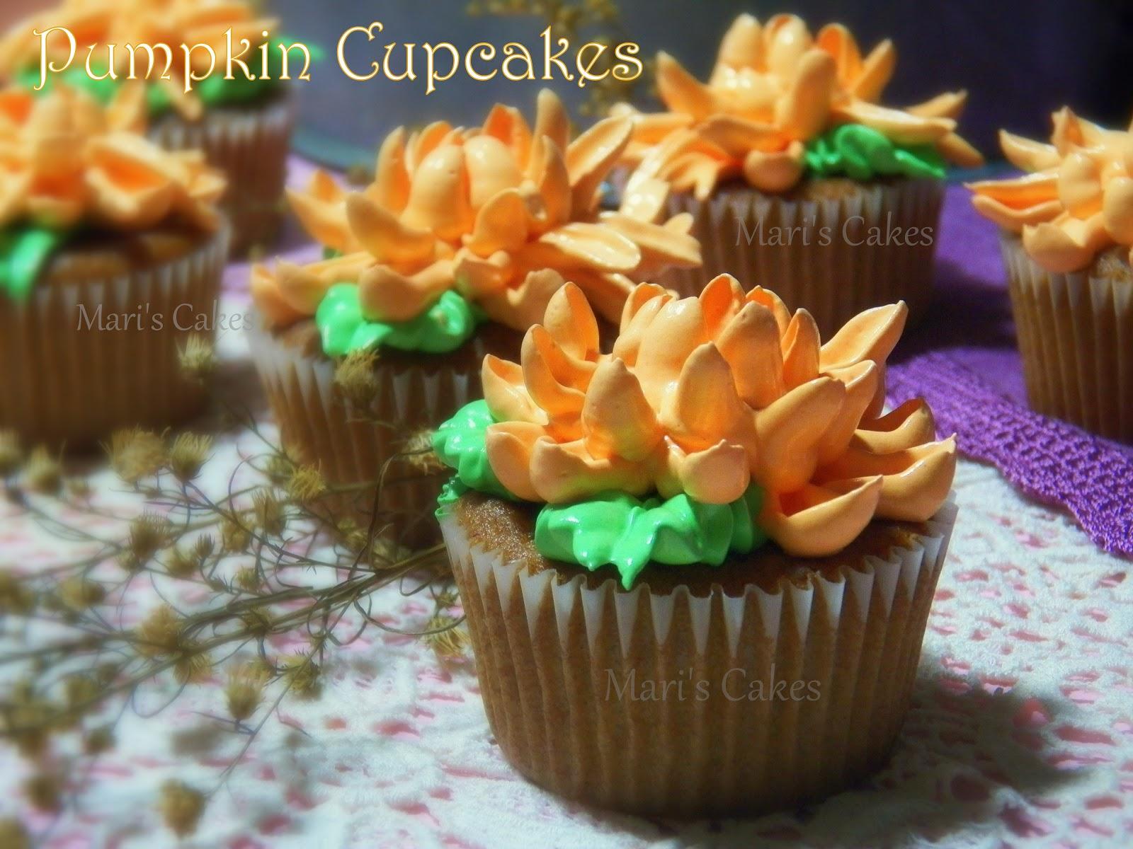 Pumpkin Cupcakes, (Cupcakes de Calabaza) | Mari's Cakes (