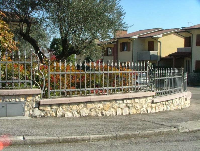 Recinzioni in ferro battuto per giardini - Recinzioni per giardini ...