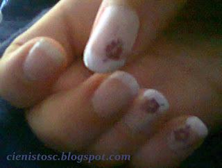 """Sylwestrowy french manicure – klasyczny, kolorowy czy matowy? – tydzień 4 projektu """"Poznaj metody zdobienia paznokci"""""""