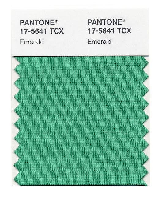 Island of white pantone vert meraude la couleur de l - Couleur vert emeraude ...