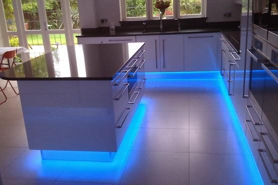 Eclairage Led Sous Meuble Cuisine Obasinccom - Spot led meuble cuisine pour idees de deco de cuisine