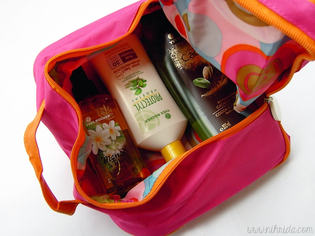 Yves Rocher Toilet Bag