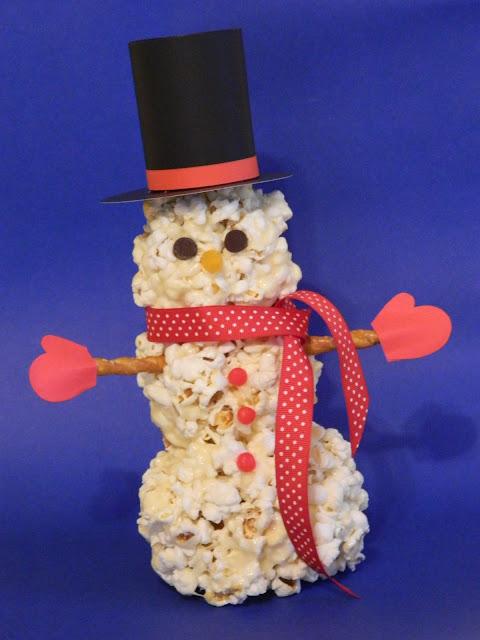"alt=""popcorn snowman"""