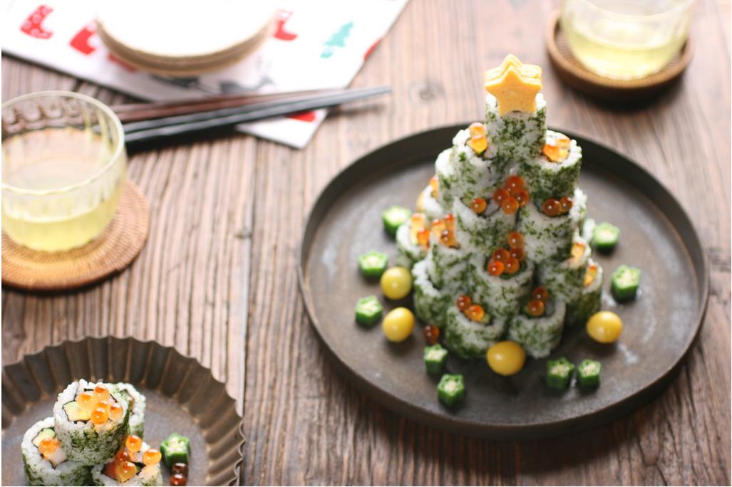 Cocina creativa de Navidad, sushi. Banana Granaola