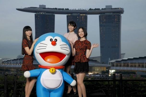 Perfume en el Trailer de la Pelicula de Doraemon