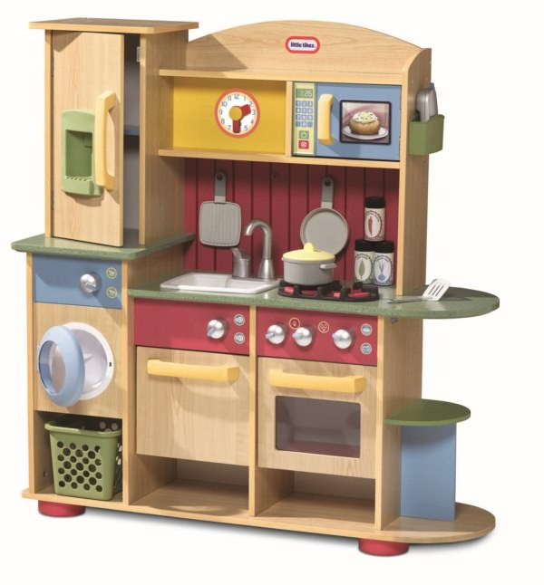 Kids kitchens little tikes cookin creations premium wood for Cuisine wooden