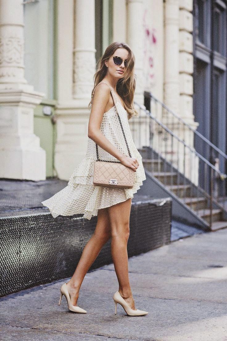 bolsa matelassê, vestido, salto alto, look simples e elegante, moda feminina