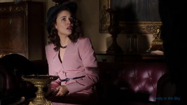 Sira Quiroga traje rosa. El tiempo entre costuras. Capítulo 8.