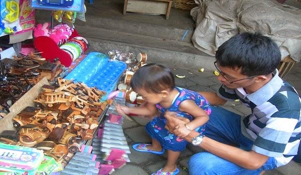 Stan Jual Mainan di Songgoriti