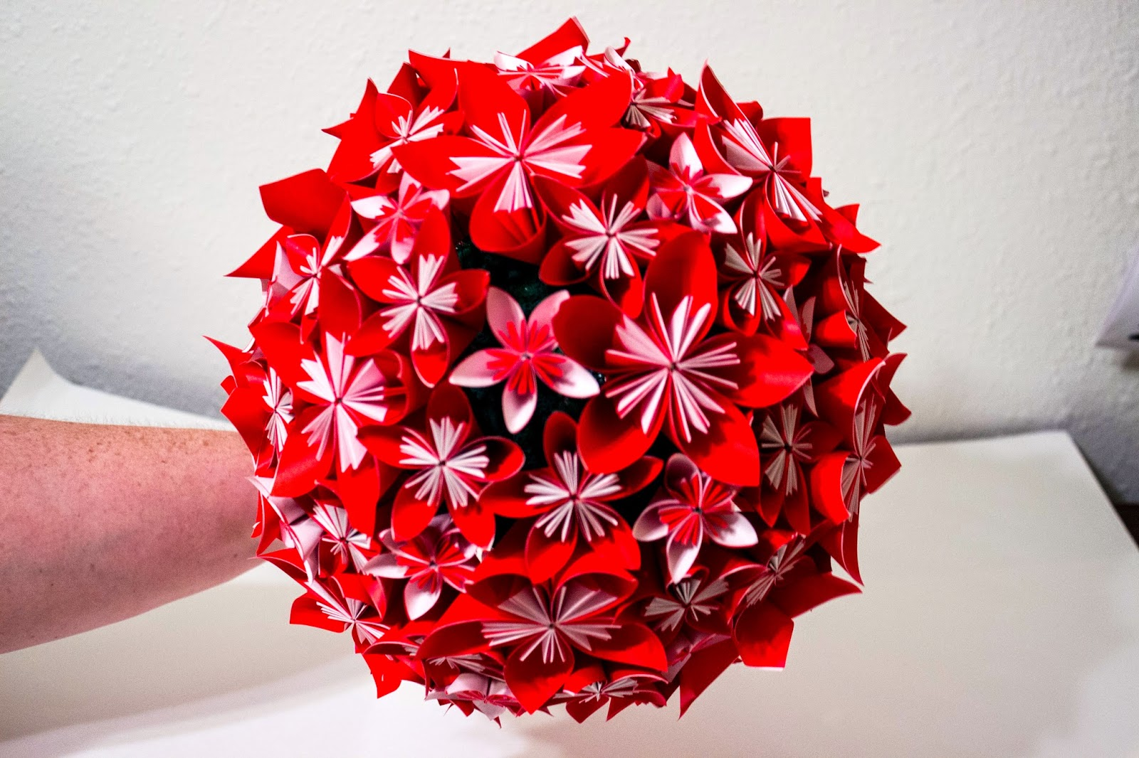 Will fold for paper wedding bouquets each bridesmaid bouquet is made with 15 flowers each flower has 5 petals each petal is made with one sheet of square origami paper mightylinksfo